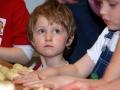 (c) Thomas Ostheimer - Csodaszarvas-rendezvény 2009 március 14; pogácsa- és kalácssütés.